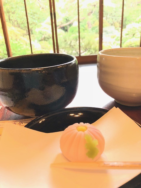日本文化を伝えよう!気軽に茶道体験しませんか?季節の和菓子とお抹茶で…