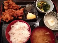 【新横浜】コスパ良しランチ!唐揚げ食べ放題「魚鶏屋」