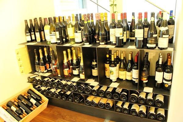 音とワインが楽しめる素敵なあなたの酒屋さん清水商店【札幌あいの里】