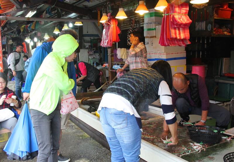 台湾・基隆・和平島の海鮮市場
