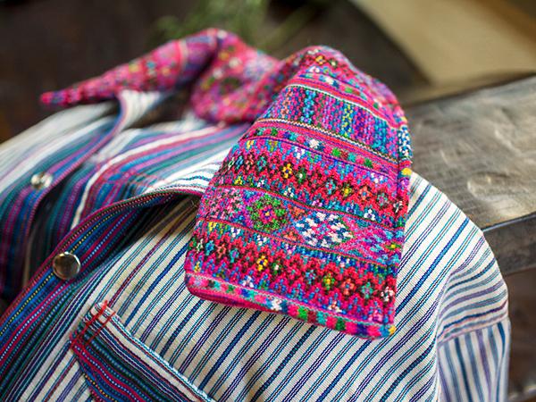 グァテマラ男性服-P2320203
