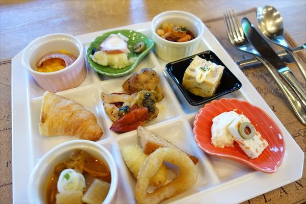 【平日限定】前菜バイキング付きランチが好評!柏の葉のレストラン&バー「ヴァロリス」