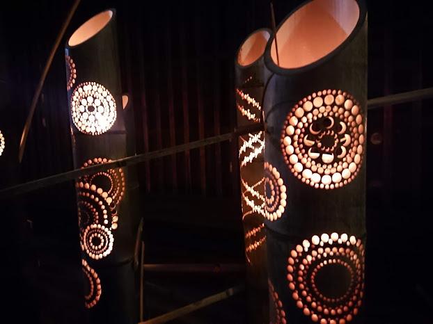 """【体験ルポ】幻想的な""""竹灯り""""で街が一変した「有松ミチアカリ」"""