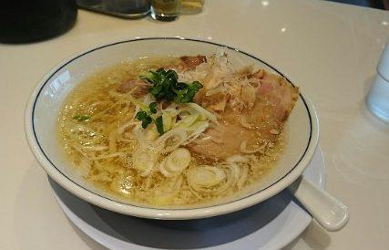 行列必至!鶏節と秘伝の塩スープが絶品!茨木「らーめん鱗」