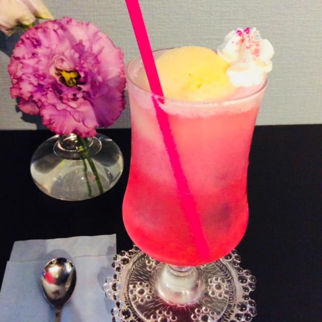2018年10月西宮にオープン!壷焼きプリンとクリームソーダが美味!喫茶とお酒「花と寅」