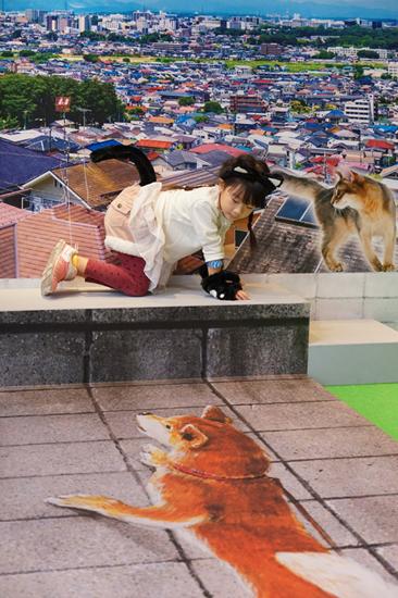 ネコになりきって撮影! 「なりきりニャンコ展」開催中