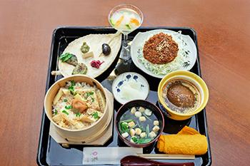 磐梯町の食材をたっぷり使った昼食に舌鼓