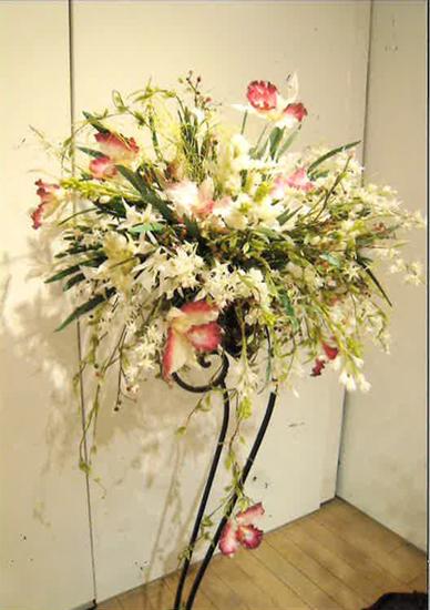 「ねんどの花 ルレーブ・フルール展」開催。小花作りの無料体験も