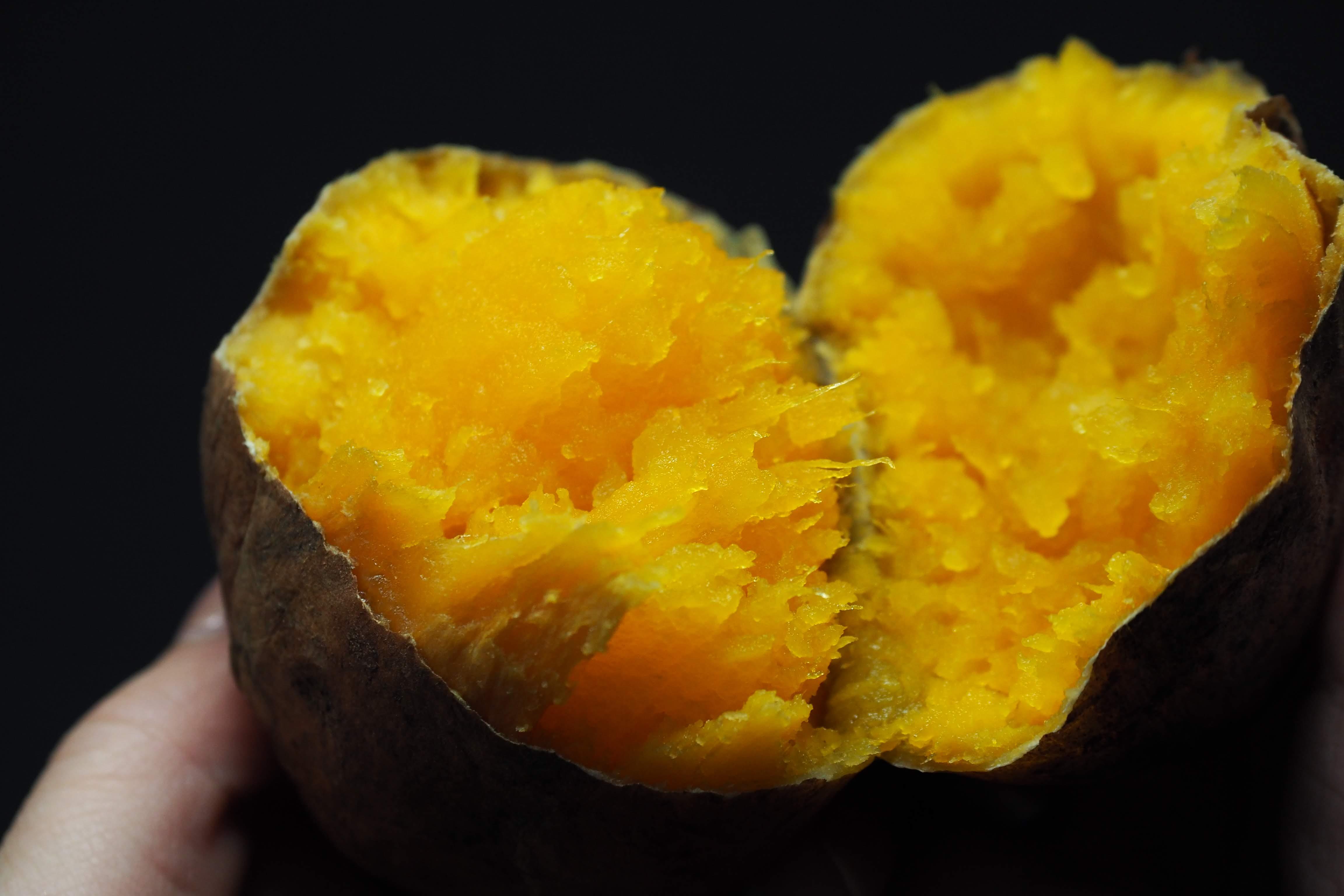 【鹿児島市薬師】寒くなってきたらコレ!『ふじた農産』のあふれる出る蜜がおいしい安納芋「焼いもっ娘」♪♪