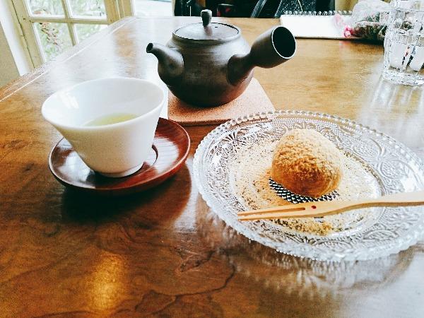 わらびもちとお茶