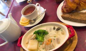 焼きたてパンが美味!「PINY片瀬山本店」でパン食べ放題付きランチ