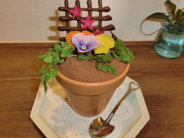 毎日通いたい!JR川越駅2分の「花香楽」は素敵な花屋さんのダイニングバー