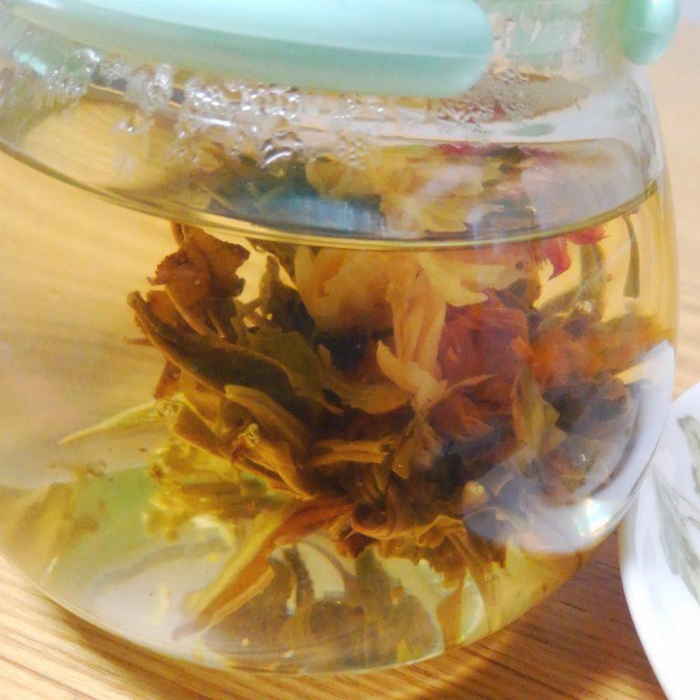 ぱっとお花が開く!!工芸茶で観て幸せ飲んで幸せ