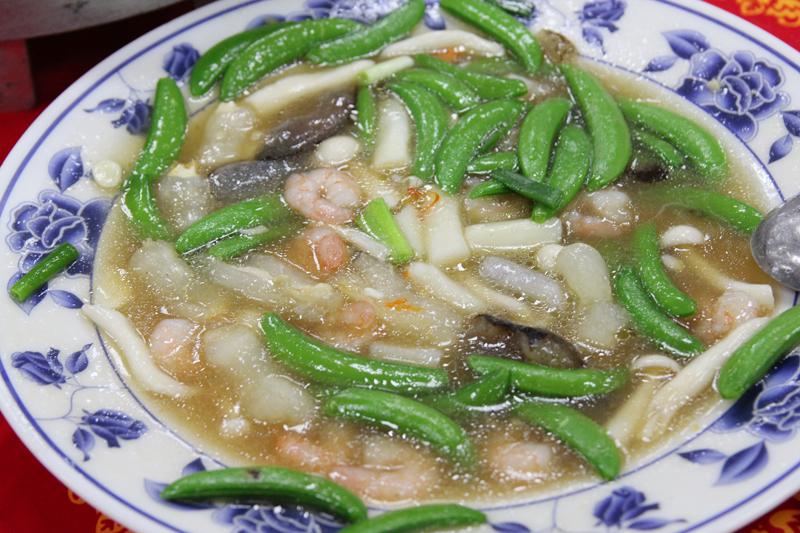 スナップえんどう・海鮮とヤマイモのとろみ炒め