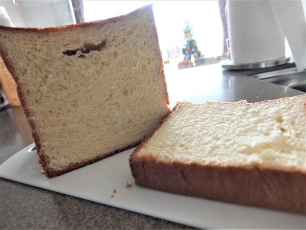 黄金の食パン