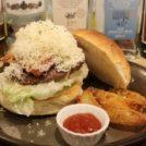 三鷹NO.1ジューシー!?自家製ハンバーガーとソーセージの店「ButaBaco」