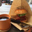 ビッグなハンバーガーに目がくぎづけ!神戸・王子公園「クロドニー」