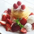 完熟の朝穫れ苺のおいしさをパンケーキで!くろいちごcafe@茂原