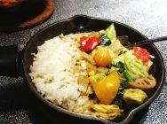 【横浜駅】キャンプに行きたくなる!野菜たっぷりのカレー屋さん@camp express