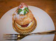 成田産いちごのキュートな いちごのパリブレスト @ホテル日航成田カフェラウンジ