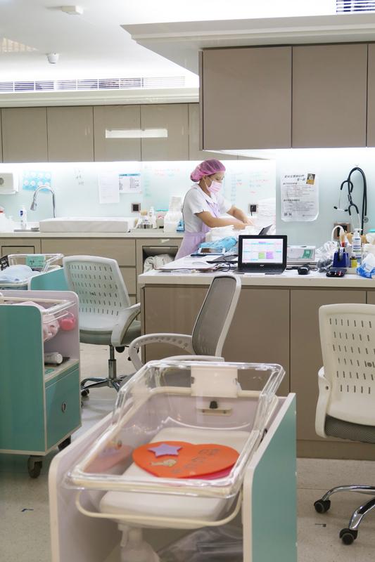 台北「英倫產後護理之家」新生児室