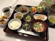 【伊集院町】限定15食の人気日替わり膳にリピーター続出!和モダンでくつろぐ『茶房やまぼうし』
