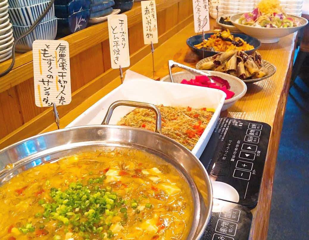 三鷹「ユーカリ食堂」3種選べる小鉢