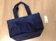 【ユニクロ】新作の「ナイロントートバッグ」が優秀すぎる!クチコミでも人気上昇中♪