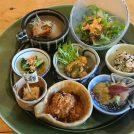 泉州野菜が散りばめられた旬彩ランチに舌鼓!岸和田「三粒に種」