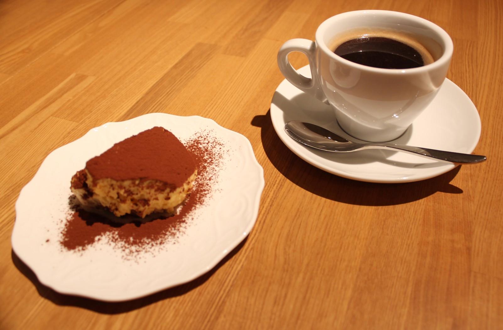 三鷹「ACQUA 39」コーヒーと手作りデザート