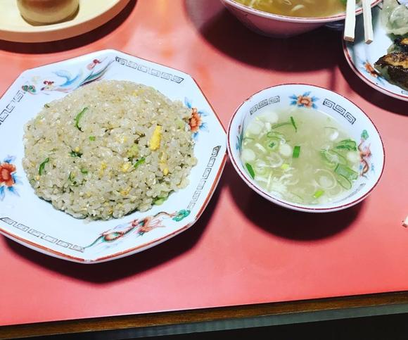 五十番 チャーハンとスープ