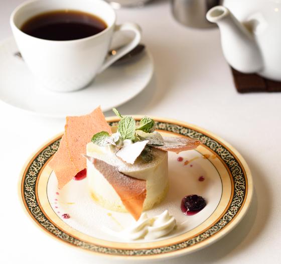 レアチーズケーキ。コーヒー