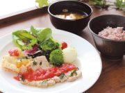 【宮城野区榴岡】眺めよく開放的な大学カフェ「カフェテリア オリーブ」