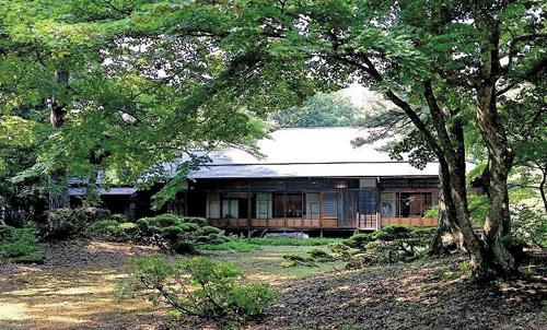 P福島県迎賓館外観_南側庭園