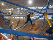 東海初の屋内空中ロープアスレチック「ナムコランドヒーローズキャンプ」が登場(エアポートウォーク名古屋)