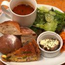 【荻窪】ボリューミーなランチプレートが嬉しい「パンとcafé えだおね」