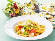 春野菜のクリームペンネ クレソンとベーコンのサラダ