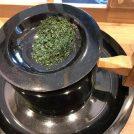 老舗茶輔発「西条園抹茶カフェ」で、茶臼碾き体験&タピオカ抹茶ラテに舌鼓!