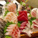三浦直送鮮魚の『どっさり盛』が目玉!「まるう商店」【横浜】