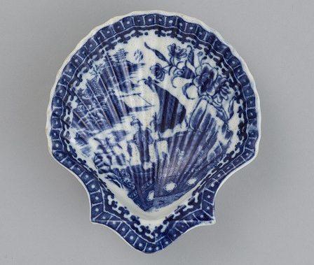 藍絵貝形皿