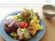 人気のランチプレートと桃のパフェを古墳の街で!堺「ゼルコバ食堂」
