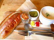 好みでトッピングできるホットドッグに大満足!吹田「カフェ レトワール ド メール」