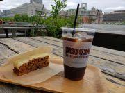 ニューヨーカー気分でテラス席へ♪大阪・北浜のカフェ「ブルックリン」