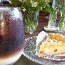 【川西】小さな緑のテーマパーク?お花とコーヒーを1度に味わえるカフェ「ココアノハナヤ」