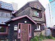 札幌駅北口に佇む隠れスポット!札幌軟石で造られた石蔵のぎゃらりぃカフェ