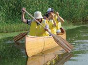 大型プール、じゃぶじゃぶ池、自然がいっぱいの川やボートも!水で遊べるスポット特集