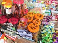 しぶこフィーバーに沸く駄菓子屋「坪井商店」がパワースポットに!?【岡山市東区】