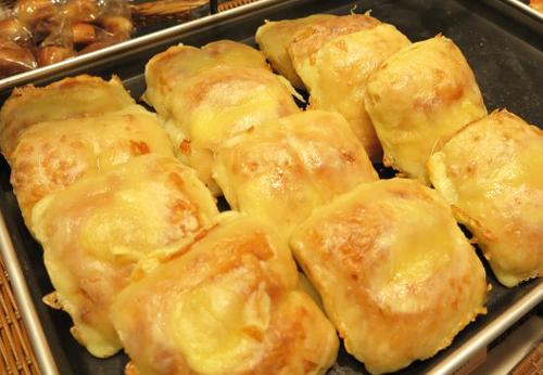 とろ~りチーズパン