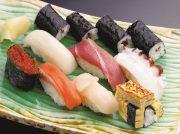 中央卸売市場で店主が直に仕入れる新鮮なネタが自慢 あけぼの寿司