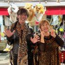 通天閣近くで大阪のおばちゃん定番服?!ヒョウ柄服とイケメンのお店「なにわ小町」